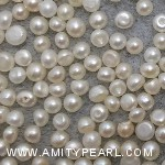 6448 button pearl about 2.75-3mm.jpg